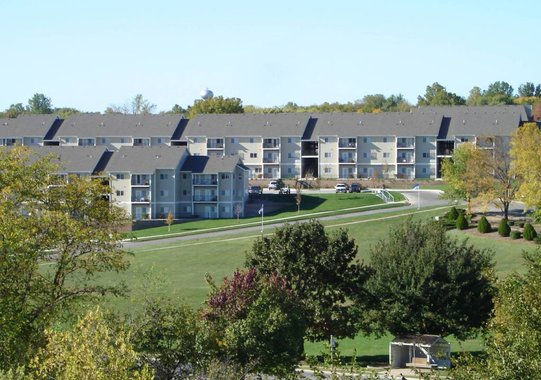 lawrence apartments meadowbrook 2601 dover square